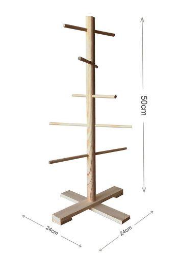 Drewniany stojak na biżuterię